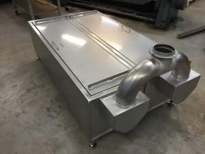 För att korven ska få en god smak tillverkas den i rökgeneratorn.